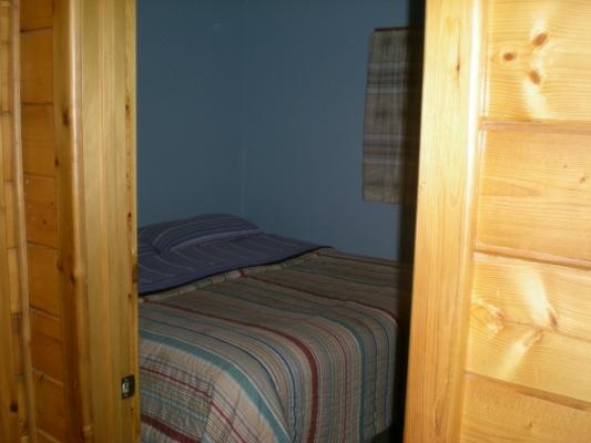 Cabin2_4